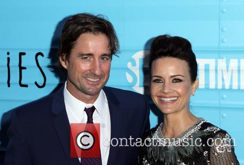 Luke Wilson and Carla Gugino 1
