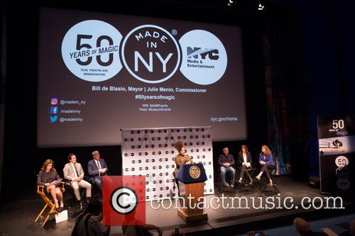 Robert De Niro, Bill De Blasio, Alicia Keys, John Leguizamo, Jane Rosenthal, Julie Menin and Alicia Glen 4