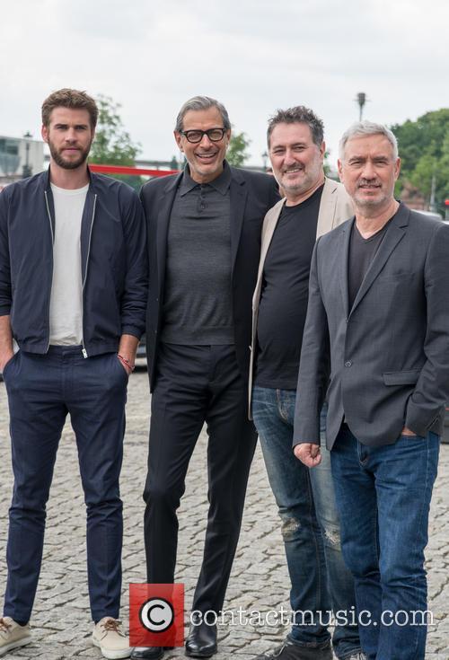 Chris Hemsworth, Jeff Goldblum and Roland Emmerich 3