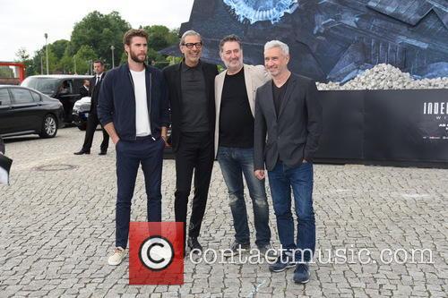 Liam Hemsworth, Jeff Goldblum, Harald Kloser and Roland Emmerich 1