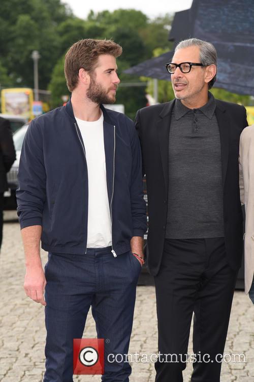 Liam Hemsworth and Jeff Goldblum 2