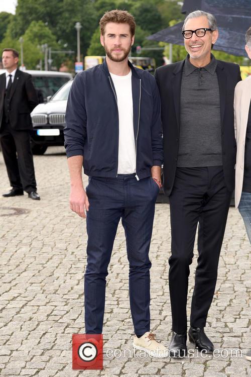 Liam Hemsworth and Jeff Goldblum 3