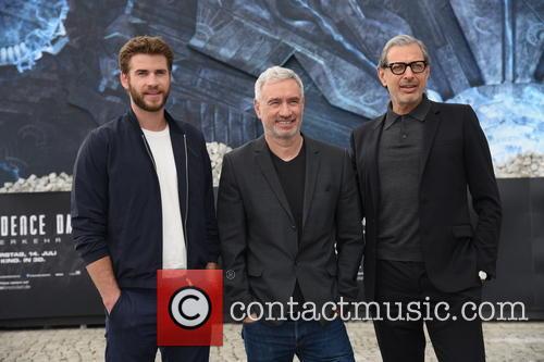 Liam Hemsworth, Jeff Goldblum and Roland Emmerich 11