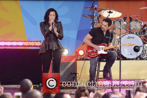 Demi Lovato and Brad Paisley 6