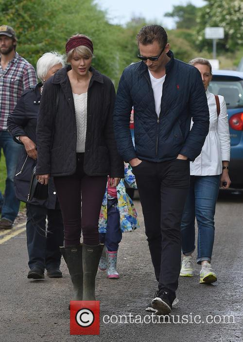 Taylor Swift and Tom Hiddleston 2