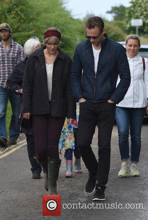Taylor Swift and Tom Hiddleston 6