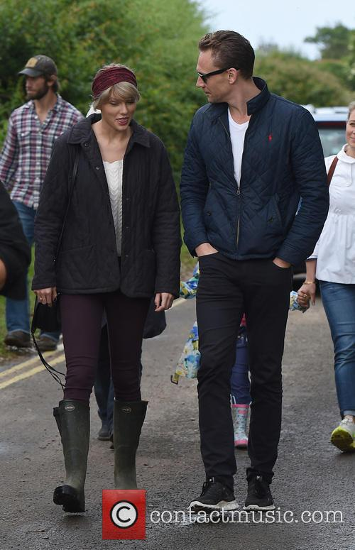 Taylor Swift and Tom Hiddleston 10