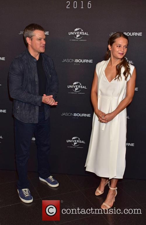 Matt Damon and Alicia Vikander 4