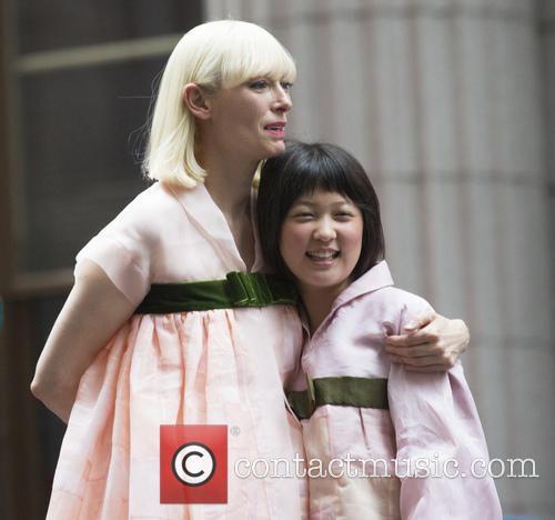 Seo-hyeon Ahn and Tilda Swinton 7