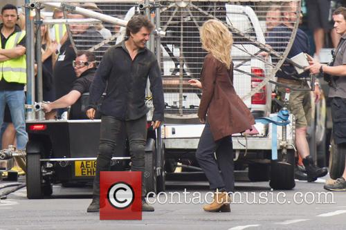 Annabelle Wallis and Tom Cruise 10