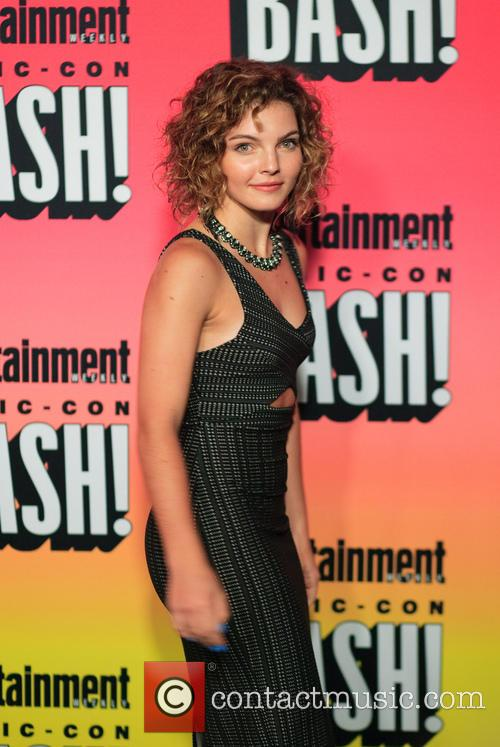 Entertainment Weekly and Carmen Bicondova 6