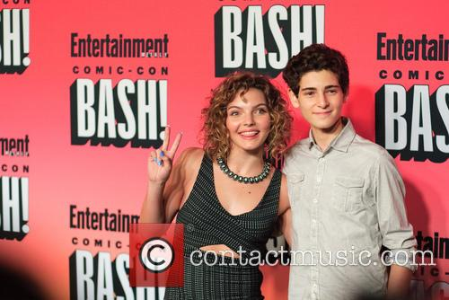 Entertainment Weekly, Carmen Bicondova and David Mazouz 8