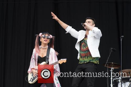 Dnce and Joe Jonas 11