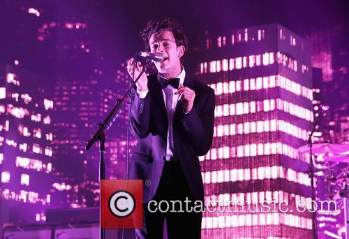 Matthew Healey and The 1975 6