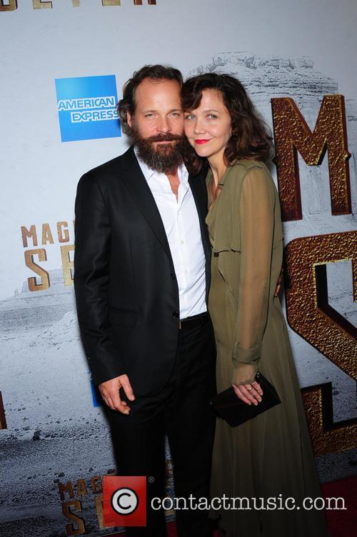 Peter Sarsgaard and Maggie Gyllenhaal 3