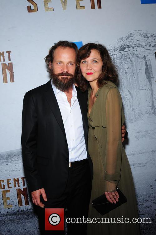 Peter Sarsgaard and Maggie Gyllenhaal 5