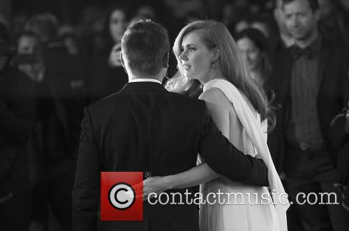 Amy Adams and Jeremy Renner 3