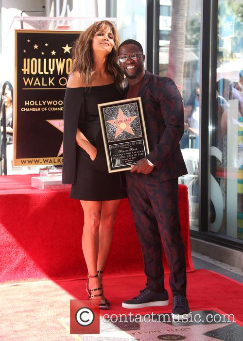 Halle Berry and Kevin Hart 6