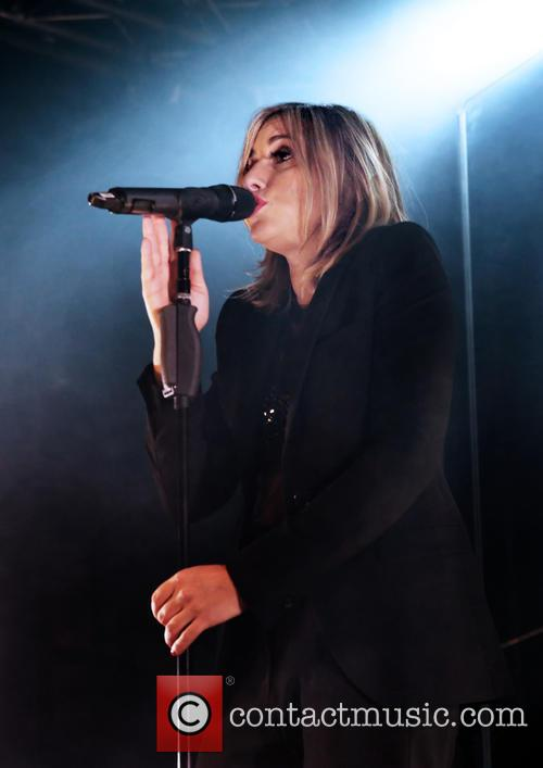 Nicole Appleton and All Saints 1
