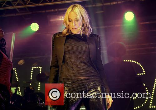 Nicole Appleton and All Saints 8