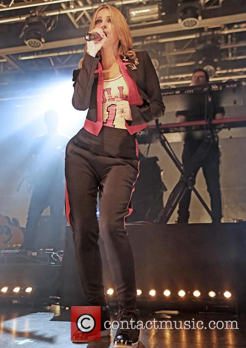 Natalie Appleton and All Saints 8