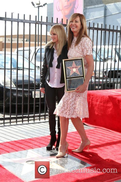Anna Faris and Allison Janney 1