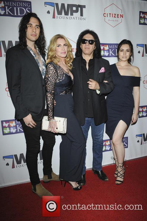Nick Simmons, Shannon Tweed, Gene Simmons and Sophie Simmons 3