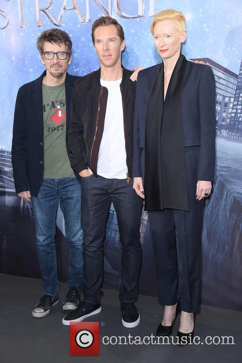 Scott Derrickson, Tilda Swinton and Benedict Cumberbatch 7