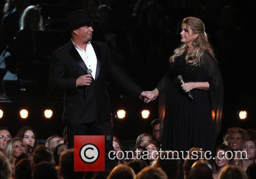 Garth Brooks and Trisha Yearwood 11