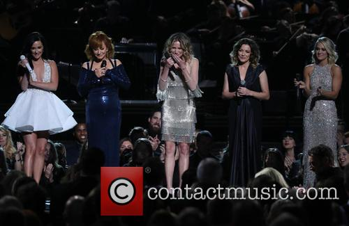 Kacey Musgraves, Reba Mcentire, Jennifer Nettles, Martina Mcbride and Carrie Underwood 7