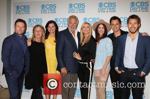 Jacob Young, Alley Mills, Heather Tom, John Mccook, Katherine Kelly Lang, Jacqueline Macinnes Wood, Darin Brooks and Scott Clifton 2