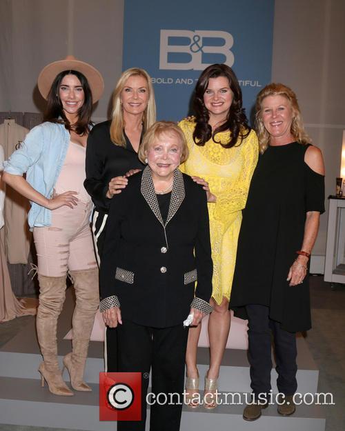 Jacqueline Macinnes Wood, Katherine Kelly Lang, Lee Bell, Heather Tom and Alley Mills