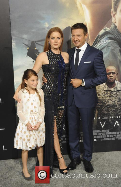Amy Adams, Abigail Pniowsky and Jeremy Renner 3