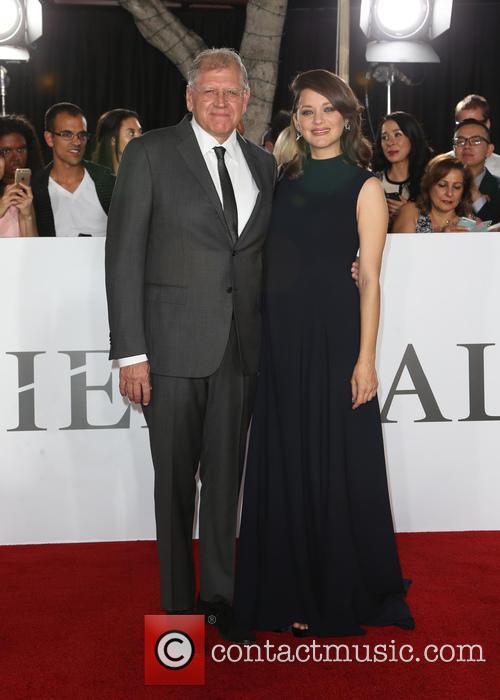 Robert Zemeckis and Marion Cotillard 6
