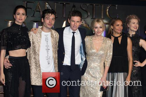 J.k. Rowling, Ezra Miller, Eddie Redmayne, Alison Sudol, Carmen Ejogo, Katherine Waterston and Ben Fogle 9