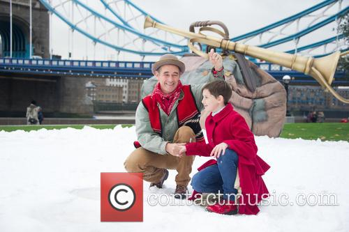 Mark Rylance and Ruby Barnhill 6