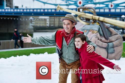 Mark Rylance and Ruby Barnhill 11