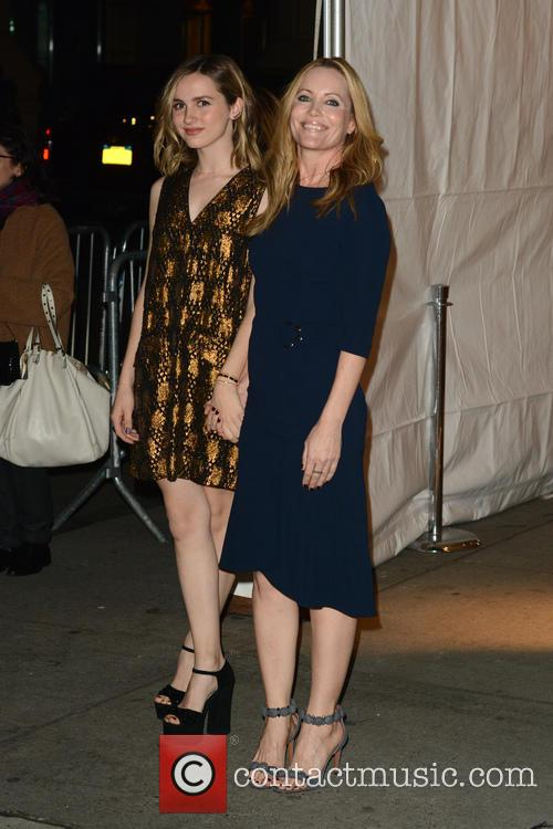 Maude Apatow and Leslie Mann 1