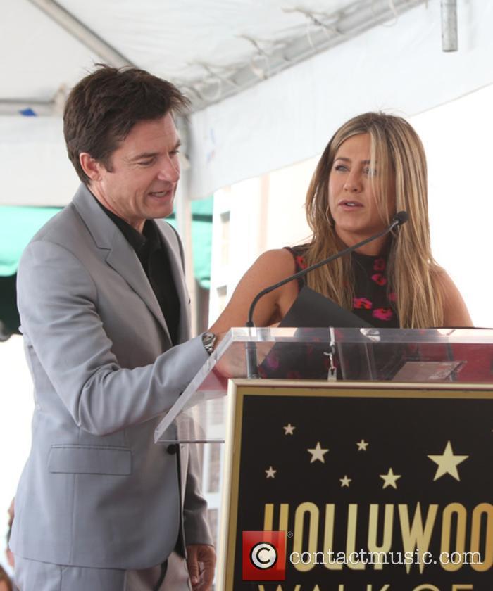 Jason Bateman and Jennifer Aniston 1