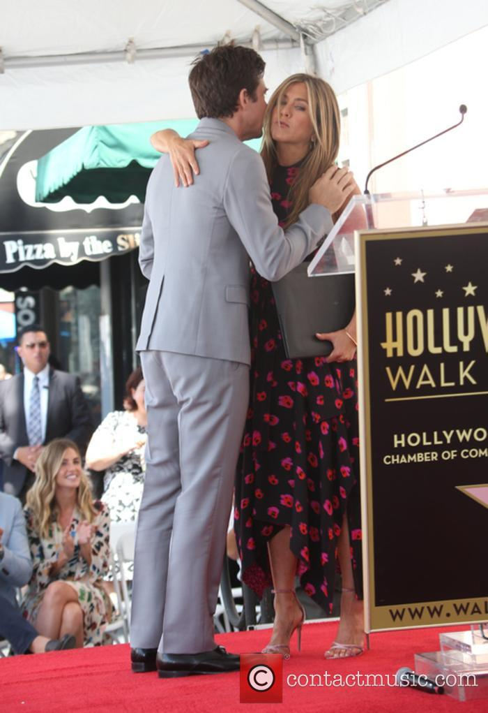 Jason Bateman and Jennifer Aniston 7