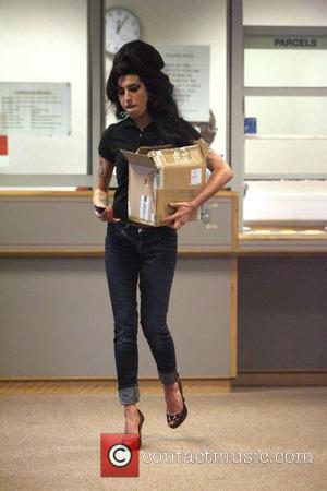 Winehouse Denies Israel Rehab Trip