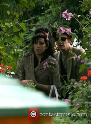 Winehouse Album Delayed Until 2009?