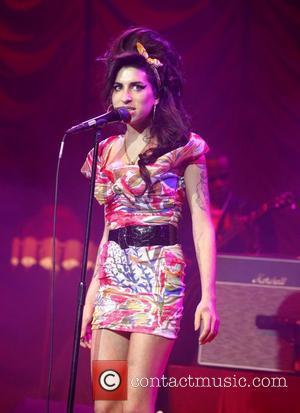 Winehouse And Ronson Revive Bond Theme Plans