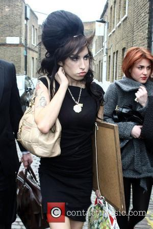 Winehouse's Aunt Hits Out At Press