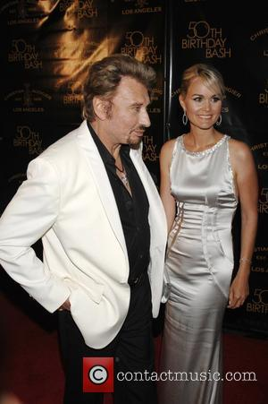 Hallyday Has Surgery To Treat Cyst