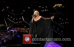 Streisand Comes Out Of Retirement For Vegas Show