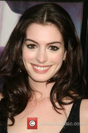 Anne Hathaway Rejects Kissing Marathon