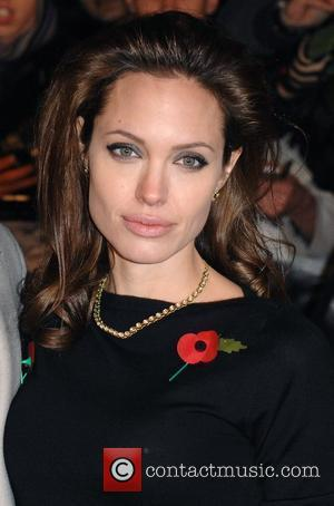 Jolie Visits Iraq