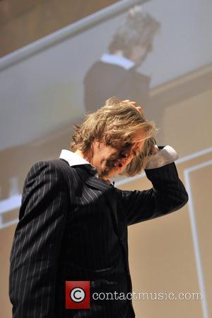 Geldof: 'We Must Do Something About Darfur'