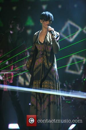 Rihanna Is Dating Shia Labeouf